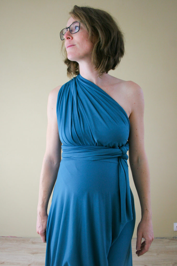 Easy ways to wrap an infinity dress from Maternity Sewing